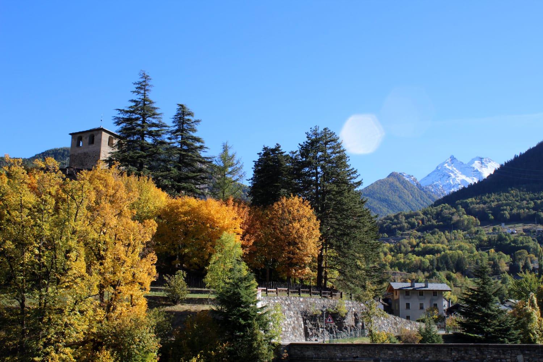Scorcio autunnale dal Castello di Introd